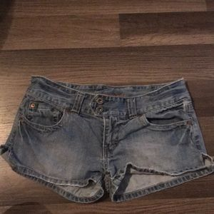 Size 6 American eagle shorts